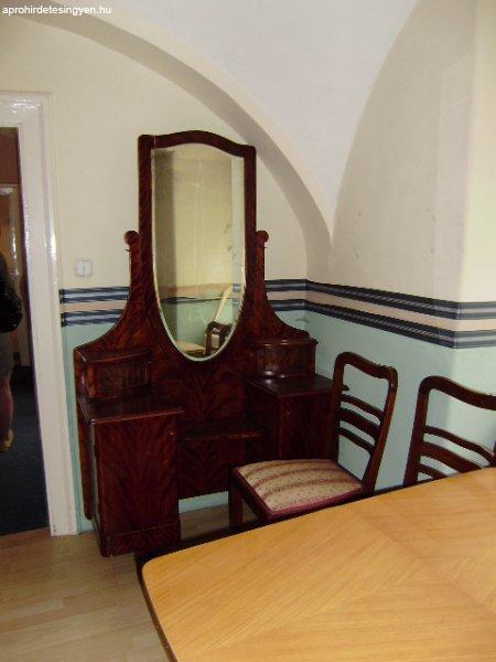 kanapé eladó pécs ~ antik szobabútor, szekrény, polc, fotel, kanapé  eladó