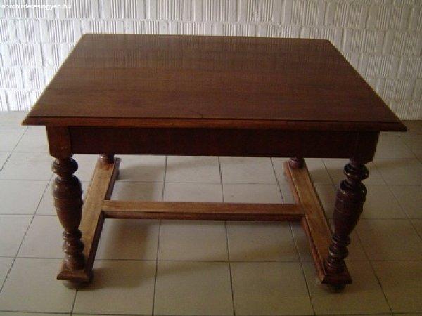 ANTIK asztal ELADÓ! - Eladó - Szentendre - Apróhirdetés Ingyen