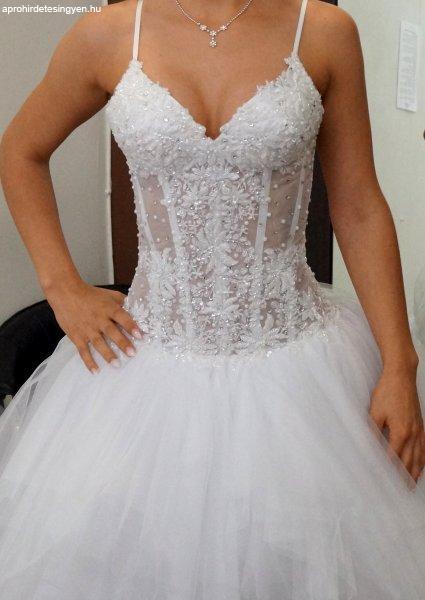 ecda9d5328 Gyönyörű tengerparti menyasszonyi ruha - Eladó Használt ...