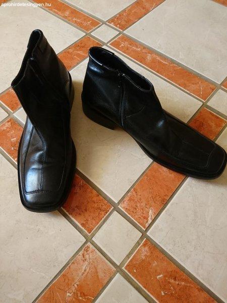 43-as cipő (Postázok!)