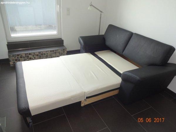Bőr kanapé ágy. www.hasznaltborgarnitura.hu - Eladó Használt ...