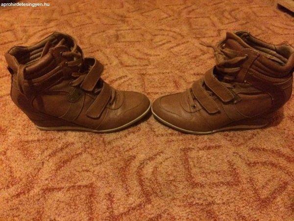 Graceland telitalpú cipő. - Eladó Használt - Nyíregyháza ... 79fd7d9de8