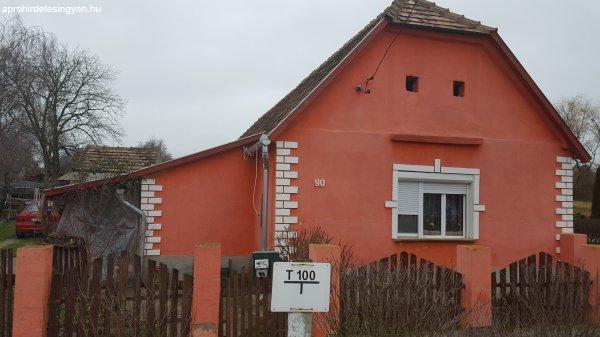 Patapoklosi családi ház eladó