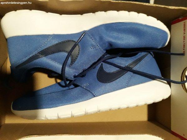 Elad%F3+%FAj+k%E9k+Nike+Roshe+Run