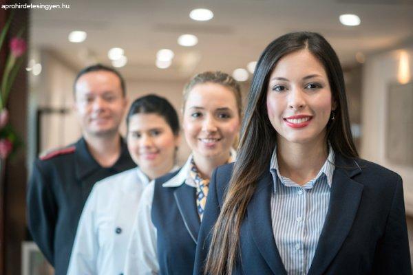 Hotel+Manager+munka+folyami+haj%F3n