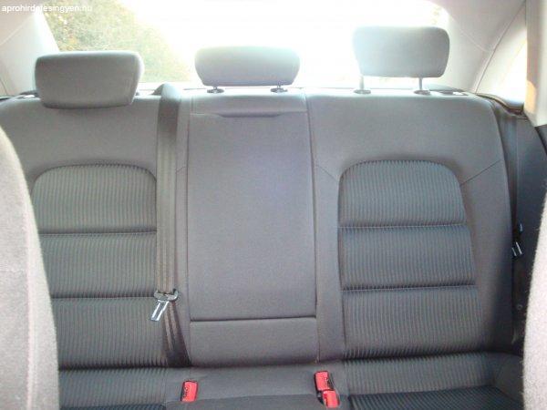 Audi+A4+elad%F3