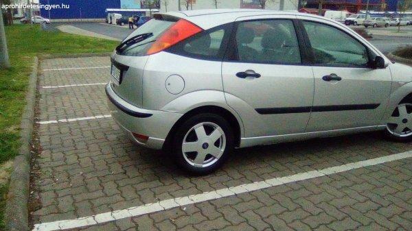S%FCrg%F5sen+Elad%F3+Ford+Focus+1.8+TDCI+2004