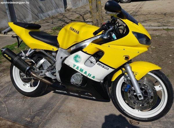 Elad%F3+Yamaha+R6