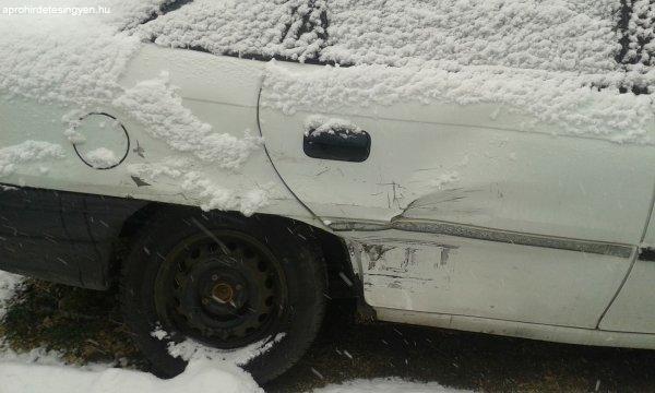 OPEL+Astra+1.4+Sedan+elad%F3+%28s%E9r%FClt%29