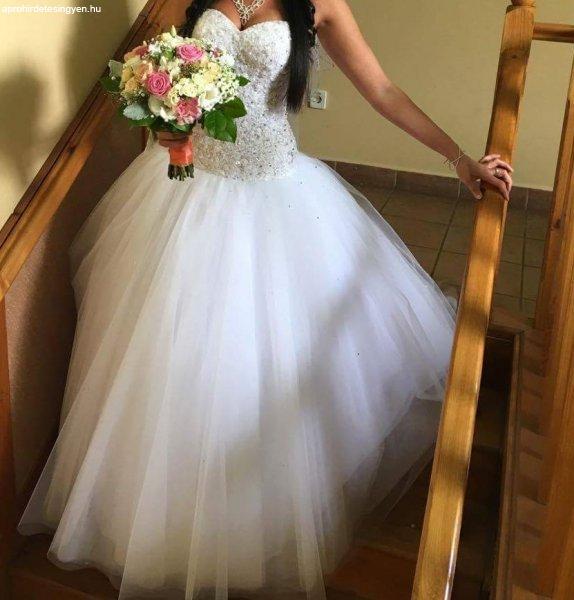 Eladó menyasszonyi ruha! - Eladó Használt - Budapest IV. kerület ... 4c588e031c
