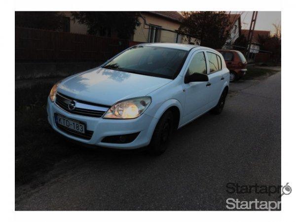 Elad%F3+2007-es+Opel+Astra+H