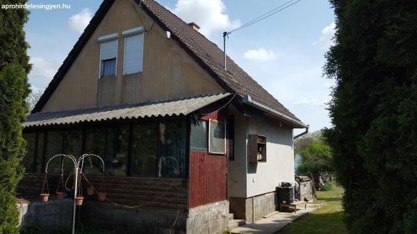 Basal családi ház eladó