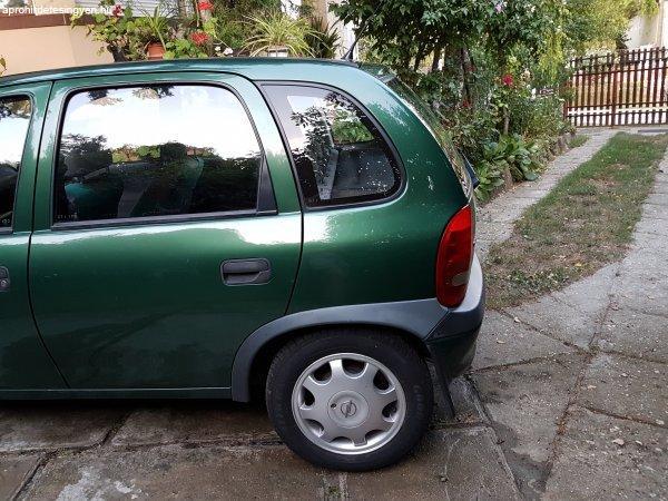 Szuper+Opel+Corsa