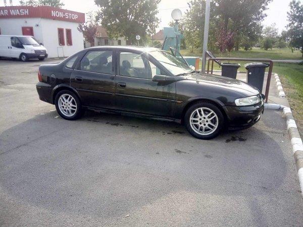 Opel+Vectra+B2+1.6+16v+Comfort+2001