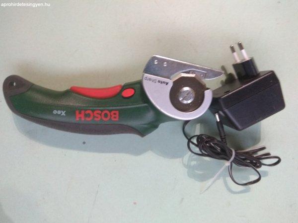 Bosch XEO precíz  vágó rugalmas anyagokhoz