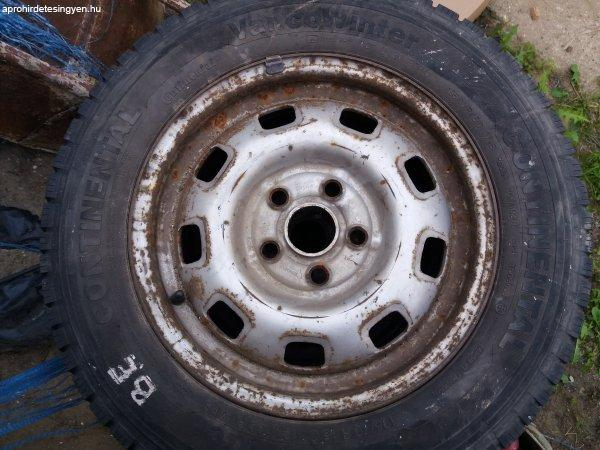 VW+transporter+t%E9ligumi+felnivel+%E9s+Dunlop+gumi+p%F3tker%E9kre