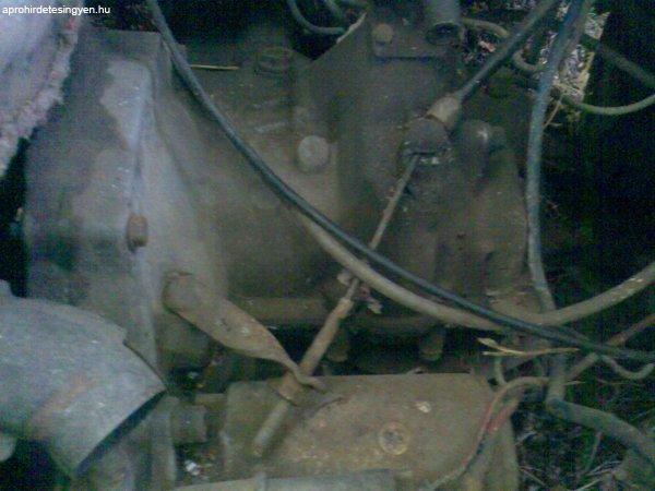 Elad%F3+Trabant+motor.+minden+rajta+van.