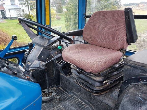 Traktor+Ford+6v61v0+%2B+Komplett+homlokrakod%F3