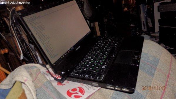 Toshiba+Port%E9g%E9+R700--legkisebb+cs%FAcs+%E9s+k%F6nny%FB+profi+%FAj+l