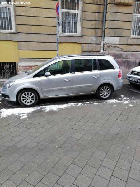 Elad%F3+Opel+Zafira+b