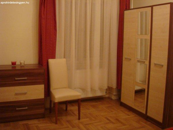 Komplett hálószoba bútor eladó (szinte új) - Eladó Használt ...