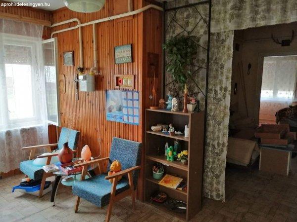Söjtörön családi ház eladó telekkel