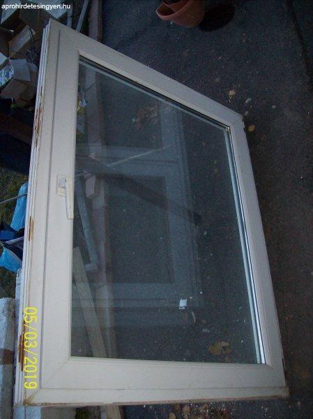 Eladók jó állapotú hőszigetelt, bukó-nyíló ablakok