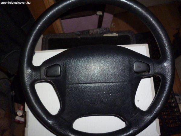 Eladó Suzuki swift 2002-es gs kormány (légzsákkal) biztonság