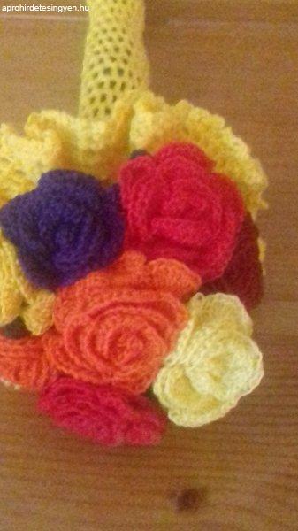 Vegyes színű rózsák horgolva  /új
