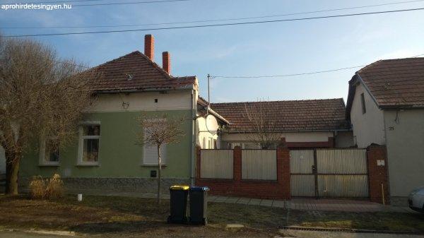 kétgenerációs családi ház
