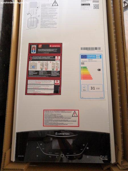 Új Ariston kondenzációs 35 kw os fűtő gázkazán.