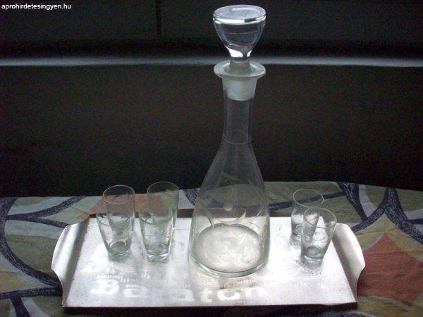 Likőrös üveg 6 pohárral