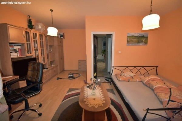 Tégla építésű újszerű 58nm lakás a Belváros peremén