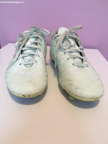 Adidas Nemeziz stoplis cipő