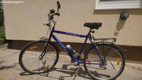 26-os férfi kerékpár