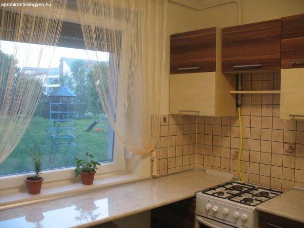 Miskolc belvárosában igényesen felújított földszinti lakás