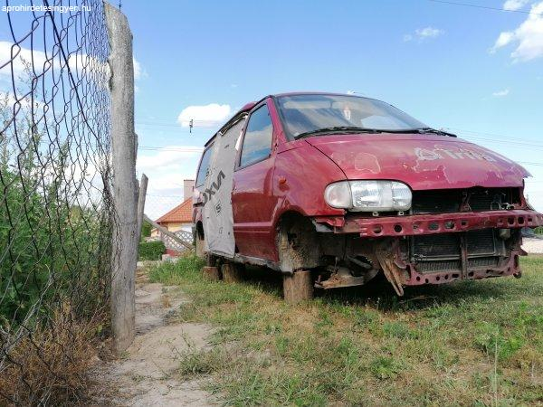 Nissan+Vanette+Cargo+bontodik