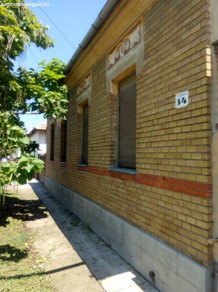 Sarkadi polgárház eladó