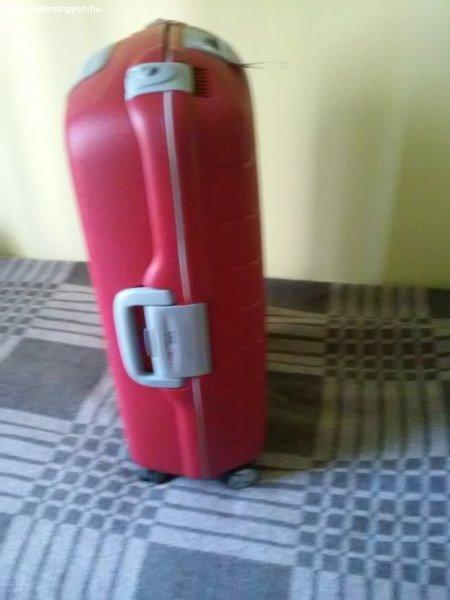 Vadonat új Roncato bőrönd 5 év garanciával eladó