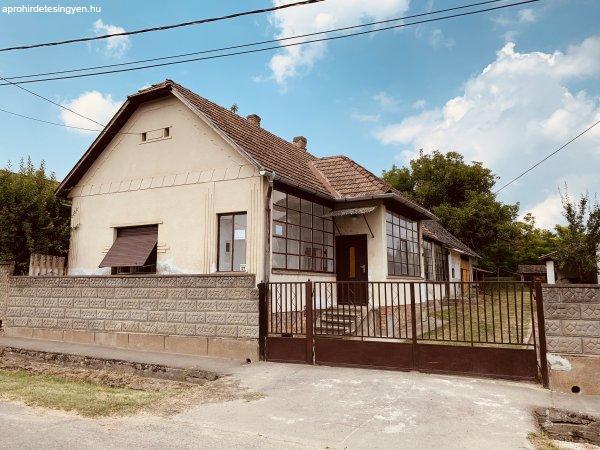 Kölesden, Tolna megyében ház eladó