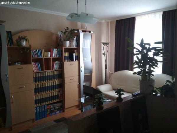 Veszprém, Március 15. u.-i 1+3 félszobás lakás eladó