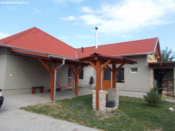 Felújított családi ház eladó Baján