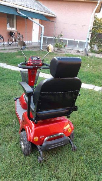 Electra 6000 típusú jó állapotú moped új akkumulátorral elad