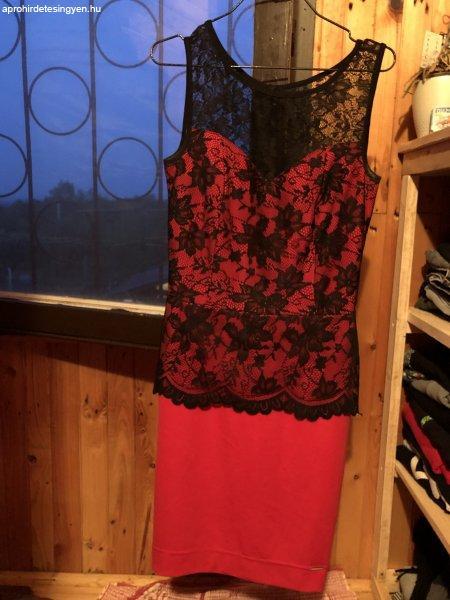 Rouge ruha