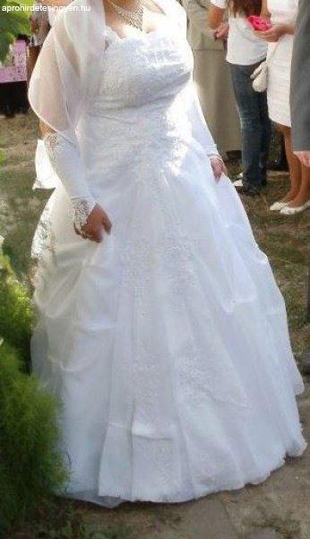 Molett menyasszonyi ruha - Eladó Használt - Budaörs - Apróhirdetés ... 412d2409c0