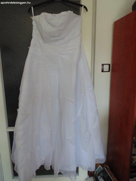 Molett menyasszonyi ruha Molett menyasszonyi ruha Molett menyasszonyi ruha  ... f33f54b5ee