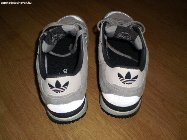 ... Eladó Adidas 42-es 090566733c