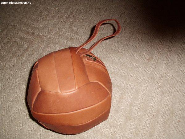 Foci labda bőr táska - Eladó Új - Szigetszentmiklós - Apróhirdetés ... fbbfa21d80
