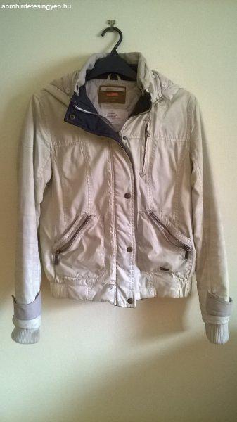 Bershka női vajszínű kabát 38-as méretben - Eladó Új - Esztergom ... 50f60c57e0