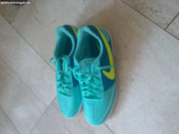 62aa8d2d13 Eladó egy vadonatúj 43-s Nike teremcipő!! - Eladó Új - Aszód ...